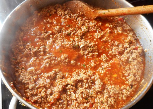 Fertig! Ein ganzer Topf voll Pasta asciutta Sauce! Die Nudeln kochen sich quasi von alleine.
